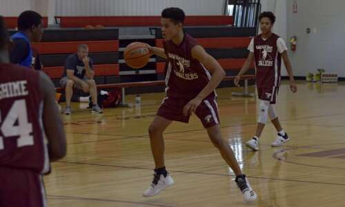 Showcase summer basketball league finds success among Eastern Iowa high…