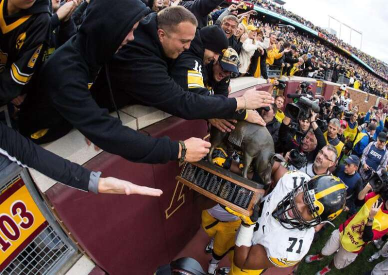 Iowa football can expect atmospheric drop in Minnesota