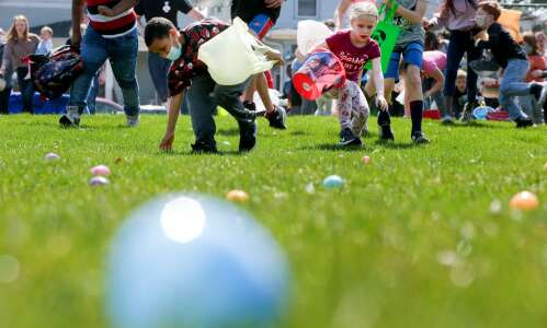 Photos: Redmond Park Easter Egg Hunt