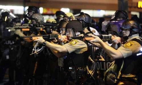 Missouri racial unrest mounts; U.S. leaders call for calm