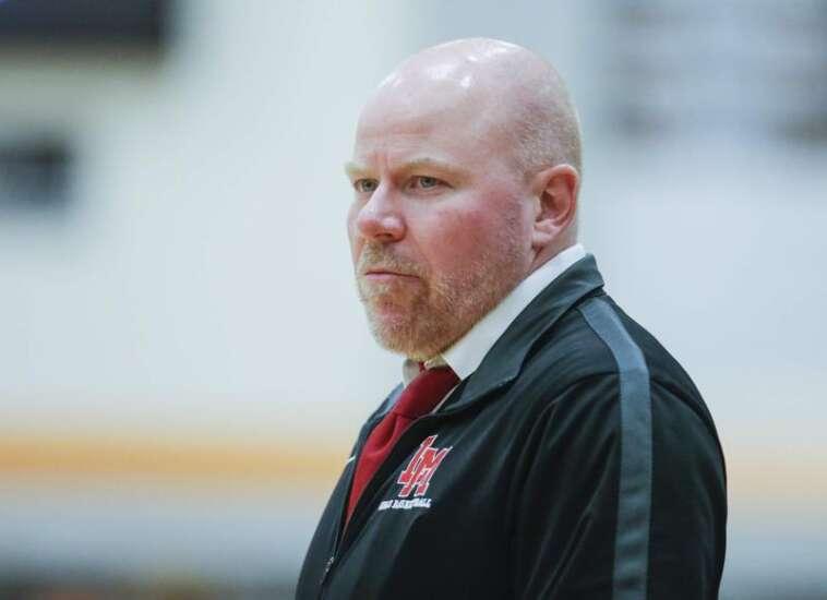 Nate Sanderson resigns as Linn-Mar girls' basketball coach