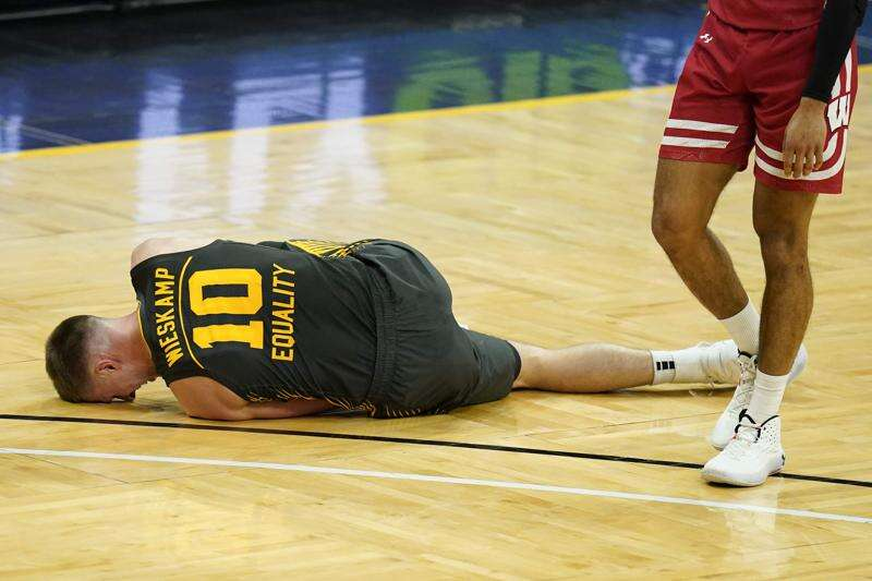 Oh, no for Joe: Ankle injury puts Wieskamp's Big Ten tournament availability in doubt