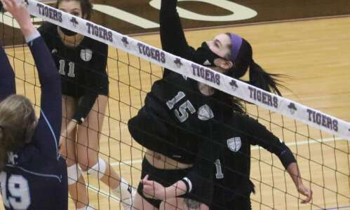 Iowa Wesleyan volleyball can't close against Westminster