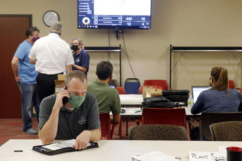 Why is cellphone service so bad after Iowa derecho?