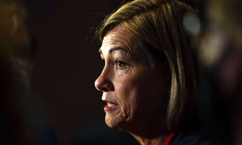 Judge's temporary order allows Iowa schools to mandate masks