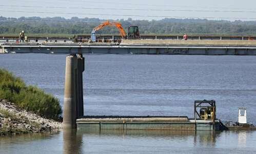 Bigger trucks will cause bigger problem for Iowa's ailing bridges,…