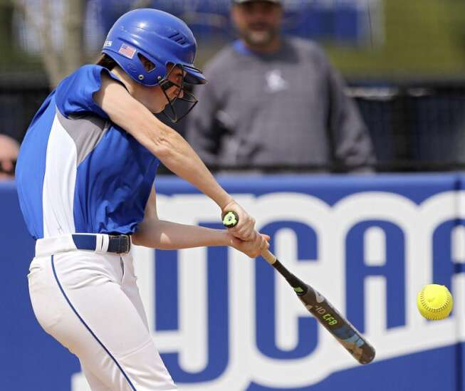 Taylor Nearad continues hot hitting for second-ranked Kirkwood