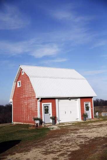 Cozy corncrib: Couple renovates farm building into a tiny home, fills it with rustic charm