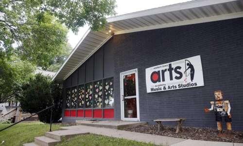 Eastern Iowa Arts Academy receives grant to fund art supplies