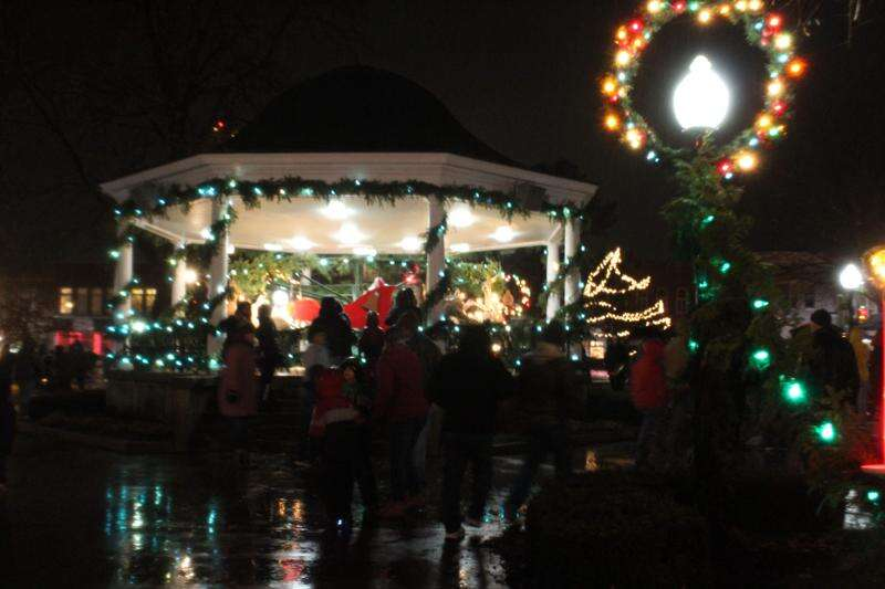 Fairfield ushers in Christmas with lighting ceremony