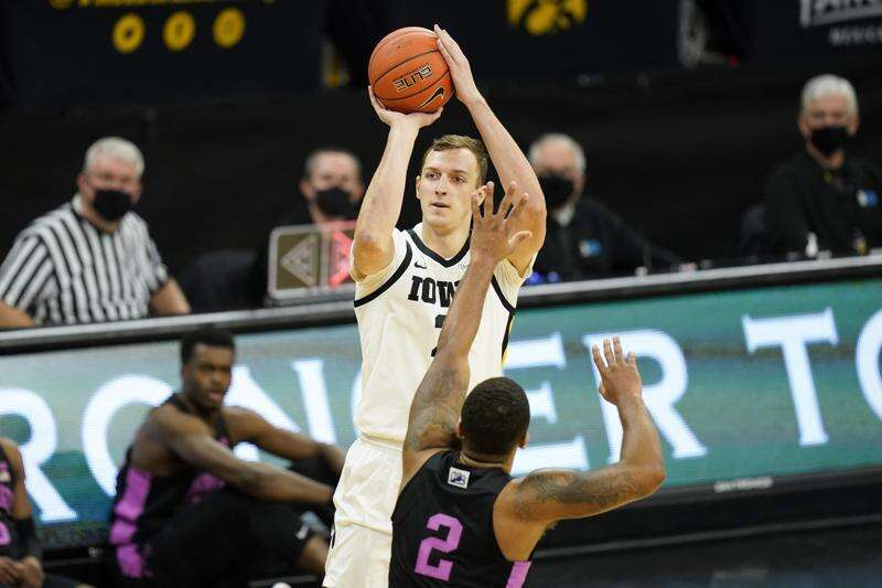 Jack Nunge transferring from Iowa to Xavier