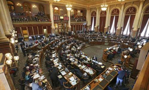 Democrats: State has resources to expand services