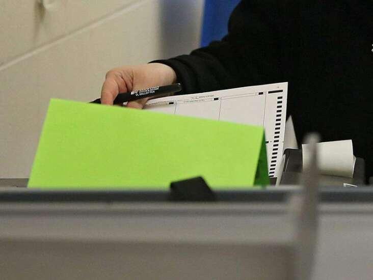 Grassley backs King in GOP primary