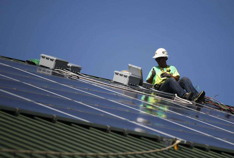 Iowa can 'power much of the world,' but policy obstacles remain