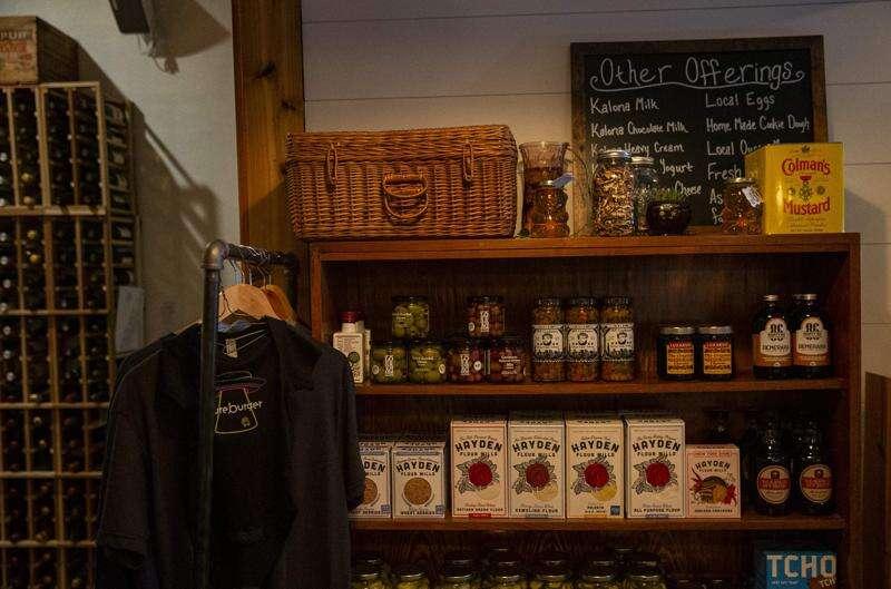 Ingenuity, loyal customers, grants help Iowa restaurants survive pandemic year