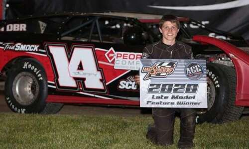 Teenage brothers team up as driver and crew chief at…