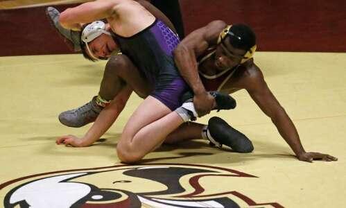 Wartburg leads D-III wrestling