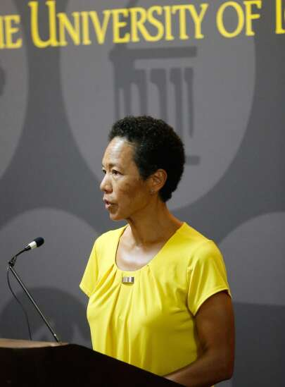 University of Iowa diversity head to leave