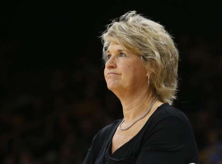 Florida State hands Iowa women's basketball first loss
