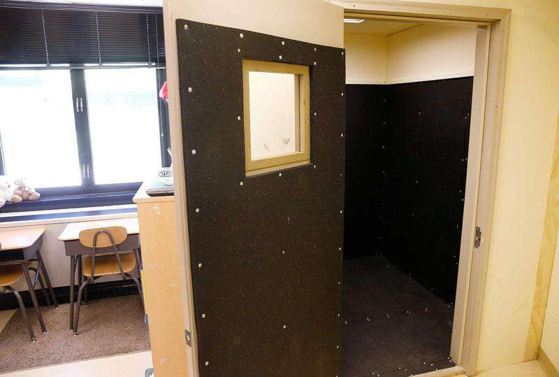 Senators ask federal probe of school seclusion reporting