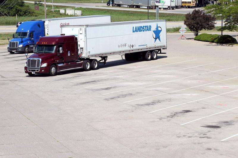 Trucks Park Here launches in Iowa, aiding truck drivers in finding a parking spot