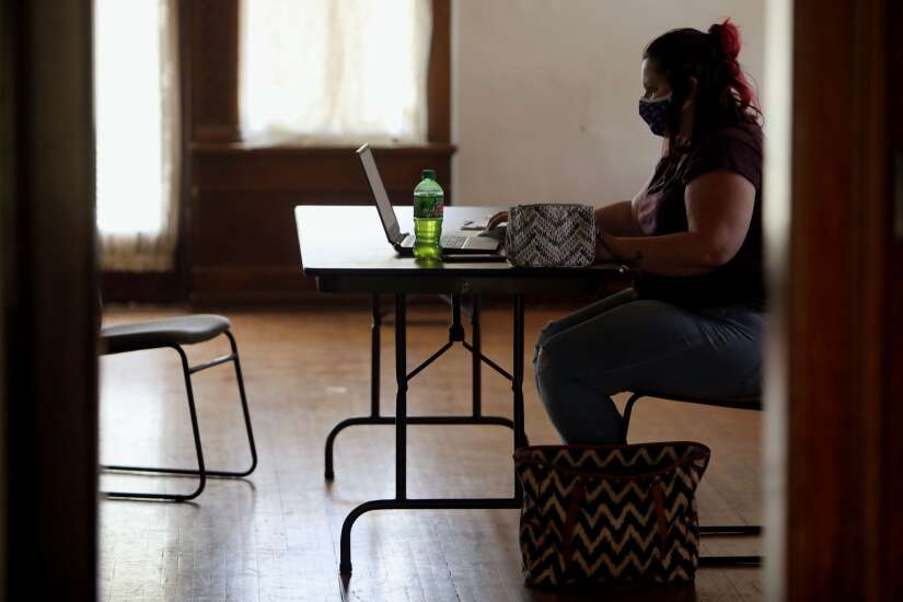 Budget cuts hitting Iowa City domestic violence program