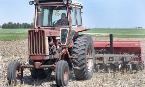 Iowa farmers' optimism about crop prices tempered by drought anxiety