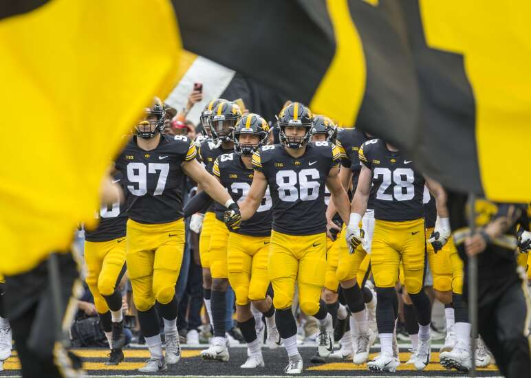 Iowa reaches highest ranking in AP Top 25 college football poll since 1985