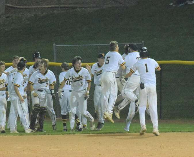 Final inning hits send Mid-Prairie to substate final