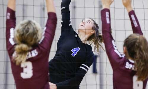 Iowa high school volleyball rankings: Gazette-area Super 10 (Oct. 17)
