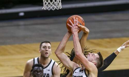 Iowa's Luka Garza, Joe Wieskamp get NBA Combine invites