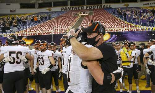Iowa high school football 2021: Class 2A district picks