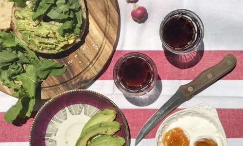 How to take professional-looking photos of food with your phone