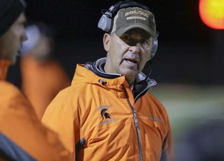 Kevin Miller announces resignation as Solon football coach