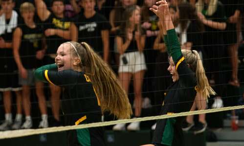 Kennedy volleyball opens eyes in an opening-night sweep