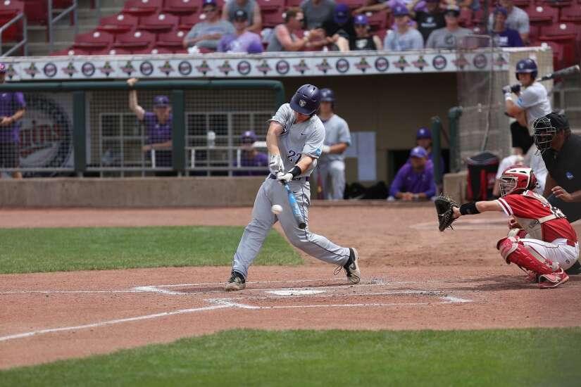 St. Thomas posts 5th straight comeback to reach NCAA D-III baseball championship series