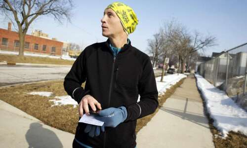 Human Etch A Sketch: Coralville man uses running to sketch…