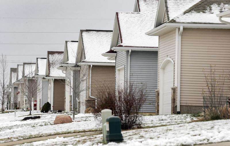 Cedar Rapids targeting 'snout houses'