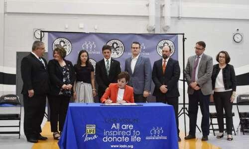 'Logan's Law' honors late Charles City teen