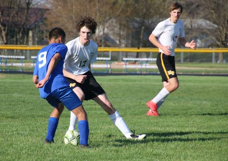 Mid-Prairie soccer teams each get victories