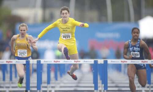 Drake Relays: Linn-Mar rallies for sprint-medley title