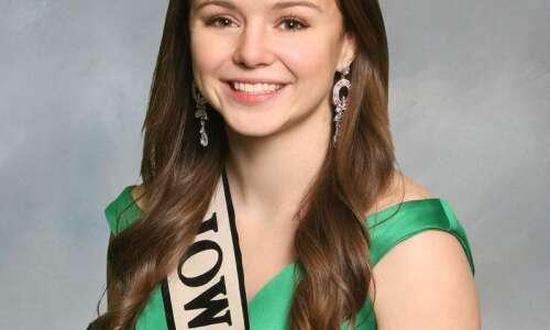 Meet 2021 Iowa Pork Queen Leah Marek of Riverside