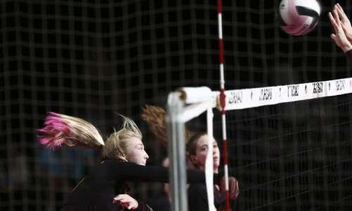 Photos: Denver vs. Western Christian, Iowa Class 2A state volleyball…