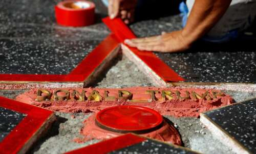 Update: Donald Trump's Hollywood Walk of Fame star vandalized, man…