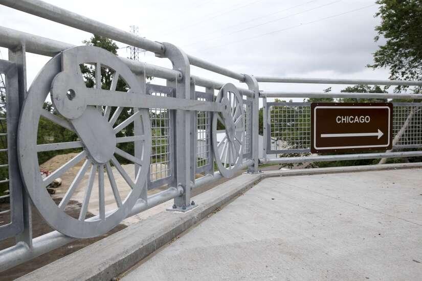 Marion opens new pedestrian bridge along Boyson Trail
