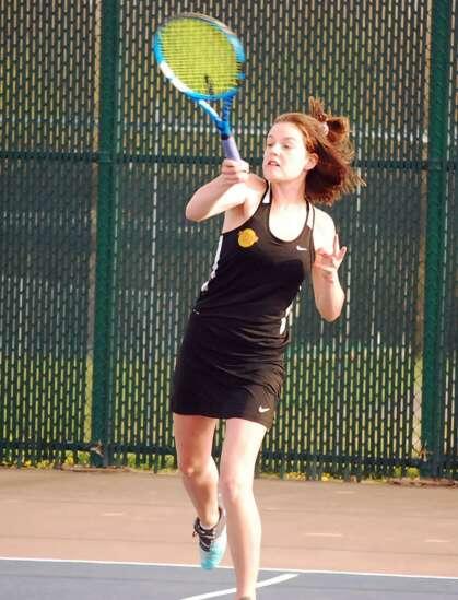 Fairfield tennis star headed to Drake