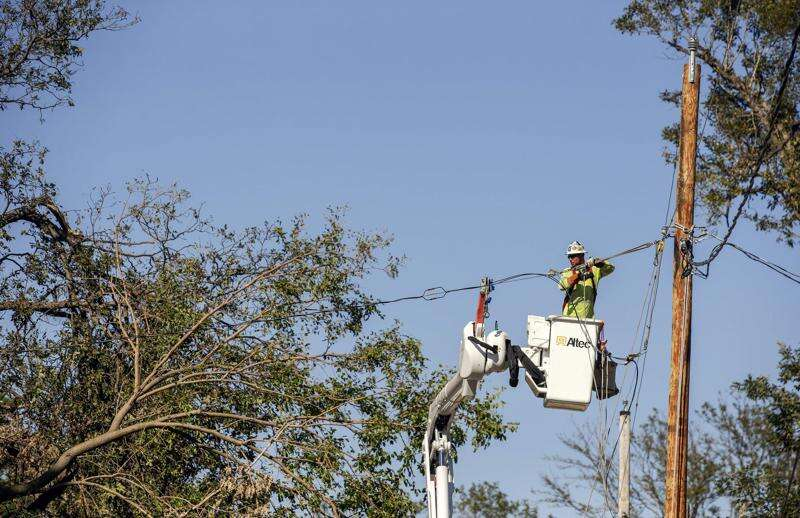 More than 5,000 in Cedar Rapids area still without internet after derecho