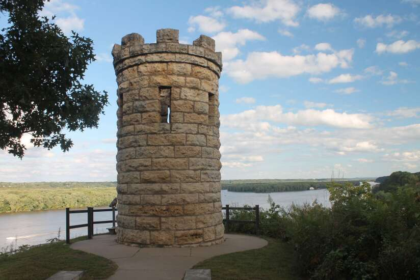 Time Machine: Monument near Dubuque marks grave of Iowa's first white settler