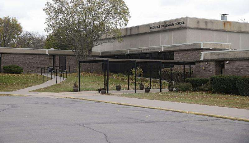 Cedar Rapids' new elementary school plan takes first step, though funding still uncertain