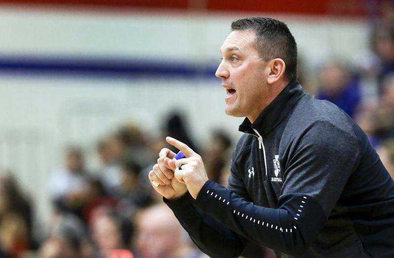 Chris Fechner moves from head boys' basketball coach to assistant at Cedar Rapids Jefferson
